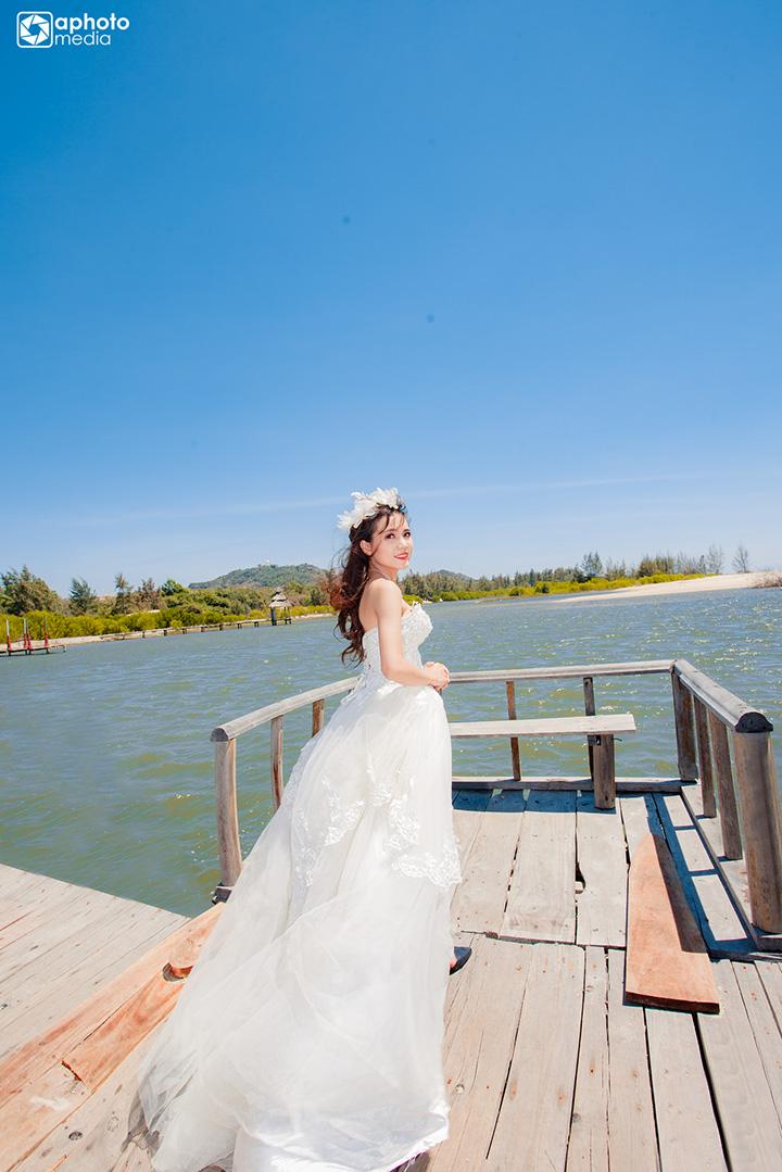 Ảnh cưới đẹp chụp tại phim trường Hồ Cốc