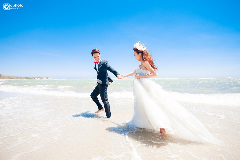 Màu ảnh nước biển cưới đẹp