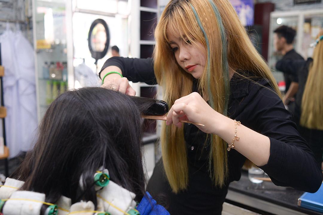 Làm tóc miễn phí với Aphoto