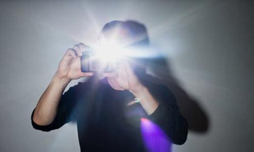 Đèn flash không thích hợp khi chụp nhà cửa và nội thất.