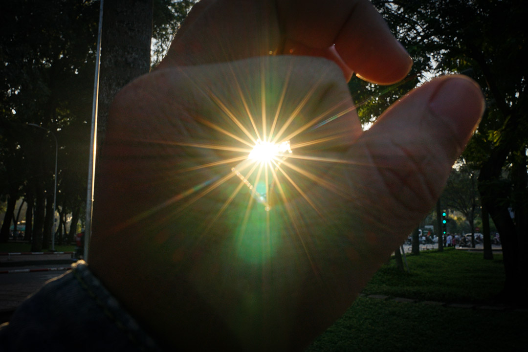 Hiệu ứng sunstar của lens 24-70GM với 18 tia đẹp