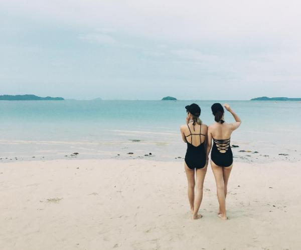 Khoe dáng cùng Bikini