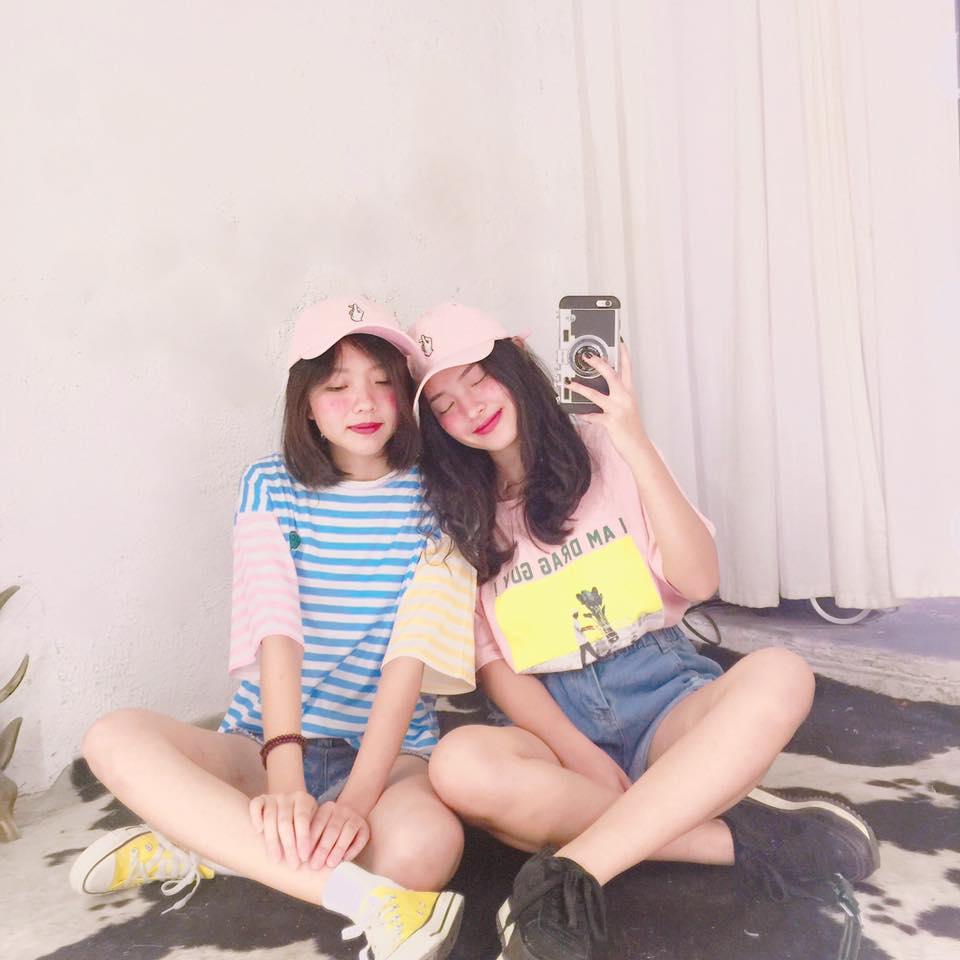 Chụp ảnh cùng cô bạn thân