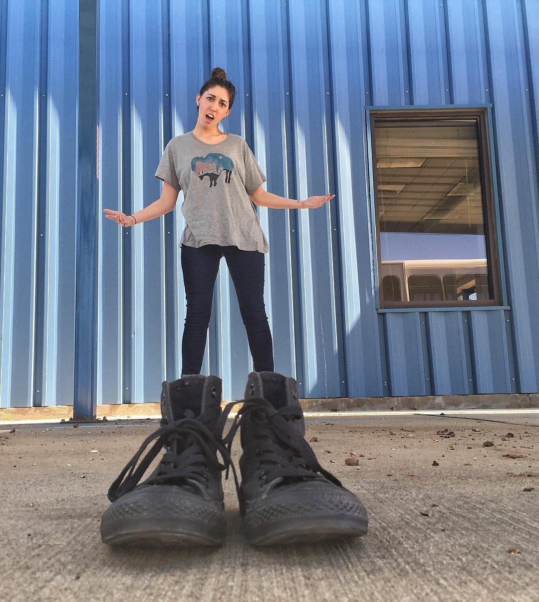 Đôi giày khổng lồ
