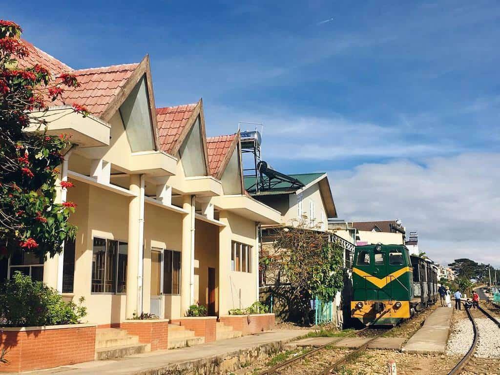 Khu nhà ga cũ Trại Mát
