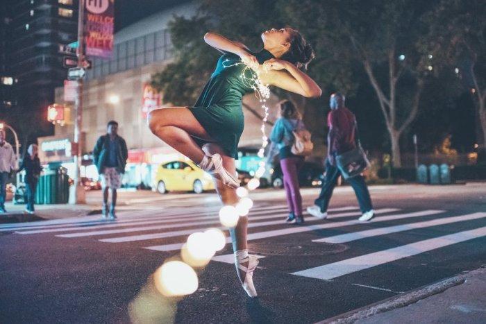 Chụp hình với đèn leb không còn gì xa lạ với giới trẻ