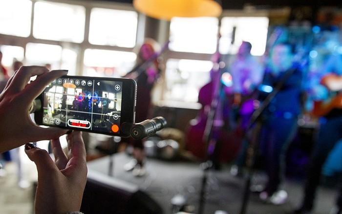 Rode VideoMicro và VideoMic ME giúp tăng chất lượng hình ảnh và âm thanh khi quay video bằng smartphone.