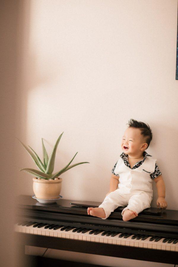 Chuẩn bị quần áo chụp ảnh cho bé và phụ kiện chụp ảnh