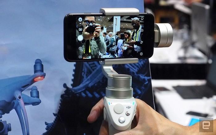 Để chụp bức ảnh sắc nét hay quay một video đẹp, không rung, bộ ổn định smartphone là thiết bị cần thiết.