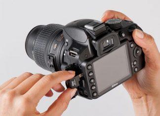 Máy ảnh khi không sử dụng có nên tháo pin?