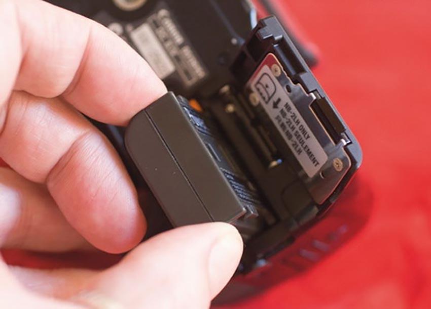 """3 bí kíp """"khắc cốt ghi tâm"""" bảo quản pin cho chiếc máy ảnh của bạn"""