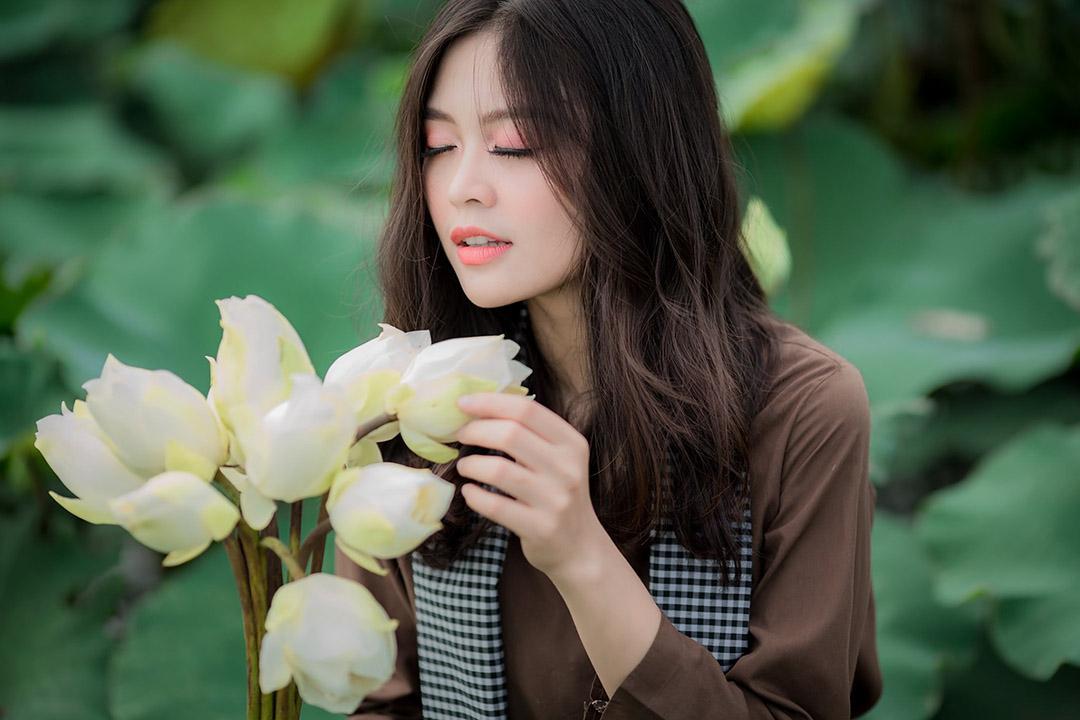 Những hình ảnh chân dung chụp với sen trắng đẹp ngất ngây lòng người