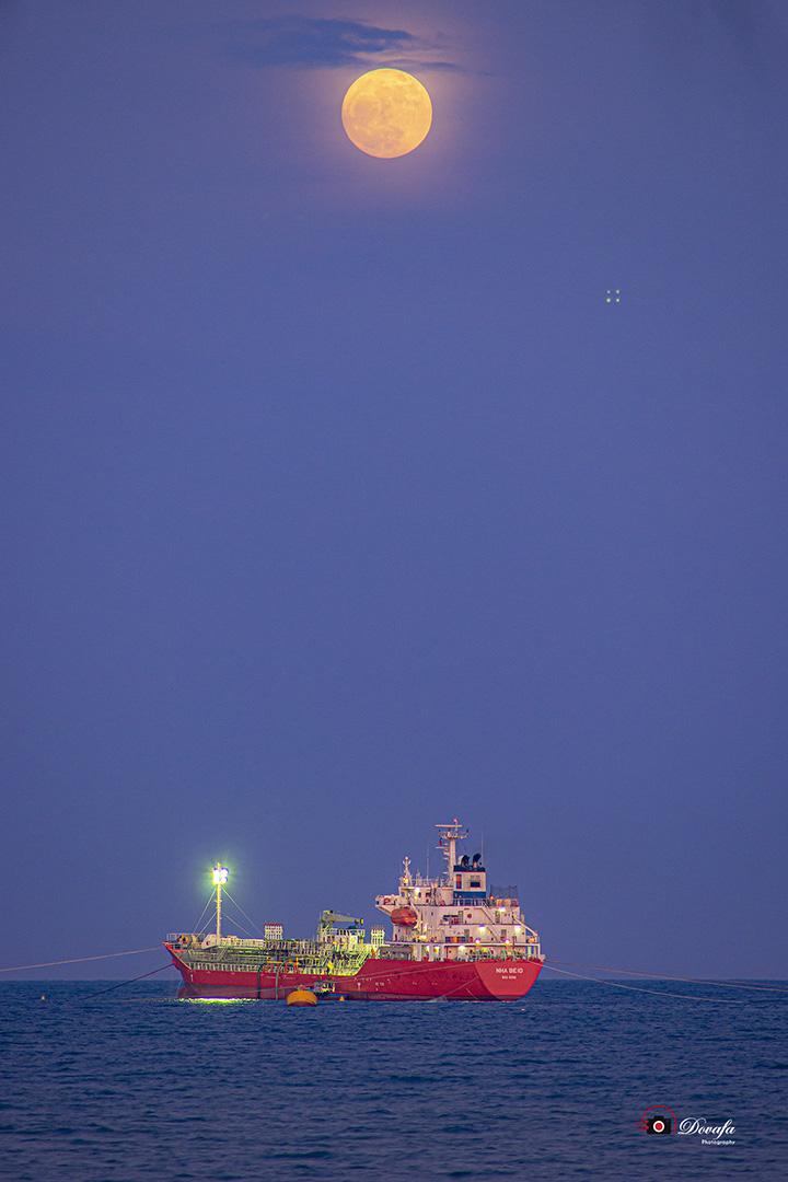 Hình ảnh đẹp về trăng rằm của nhiếp ảnh Đỗ Văn Pháp